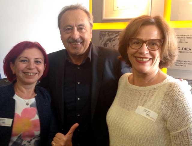 Nermin Ermis und Hava Zaimi mit UNICEF-Paten Wolfgang Stumph