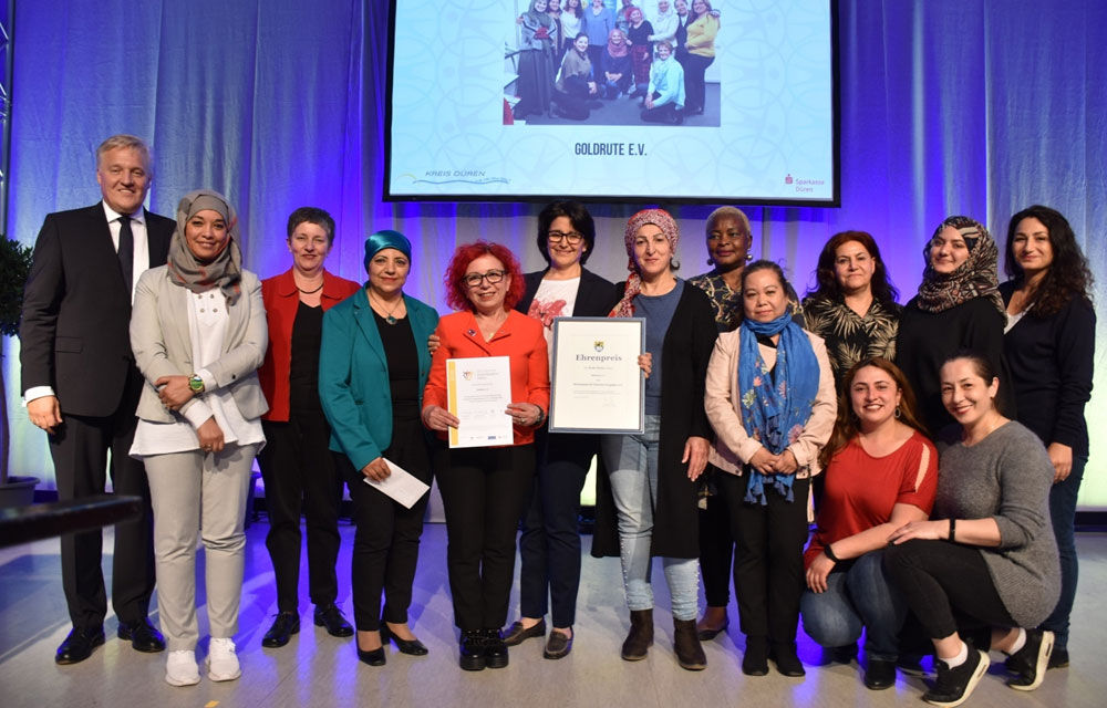 """Das Migrantinnen-Netzwerk erhält den Ehrenpreis des Kreises Düren in der Kategorie """"Soziales Engagement"""" 2019"""